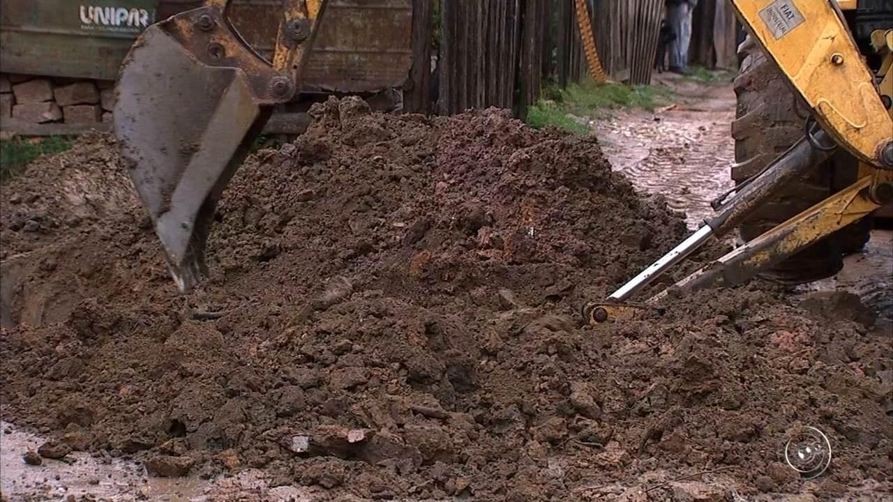 Defesa Civil interdita casas soterradas após forte chuva em Campo Limpo Paulista