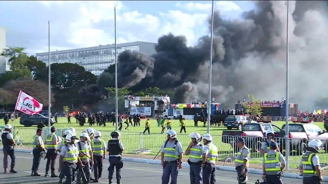 Temer decreta ação de garantia da lei e da ordem em Brasília