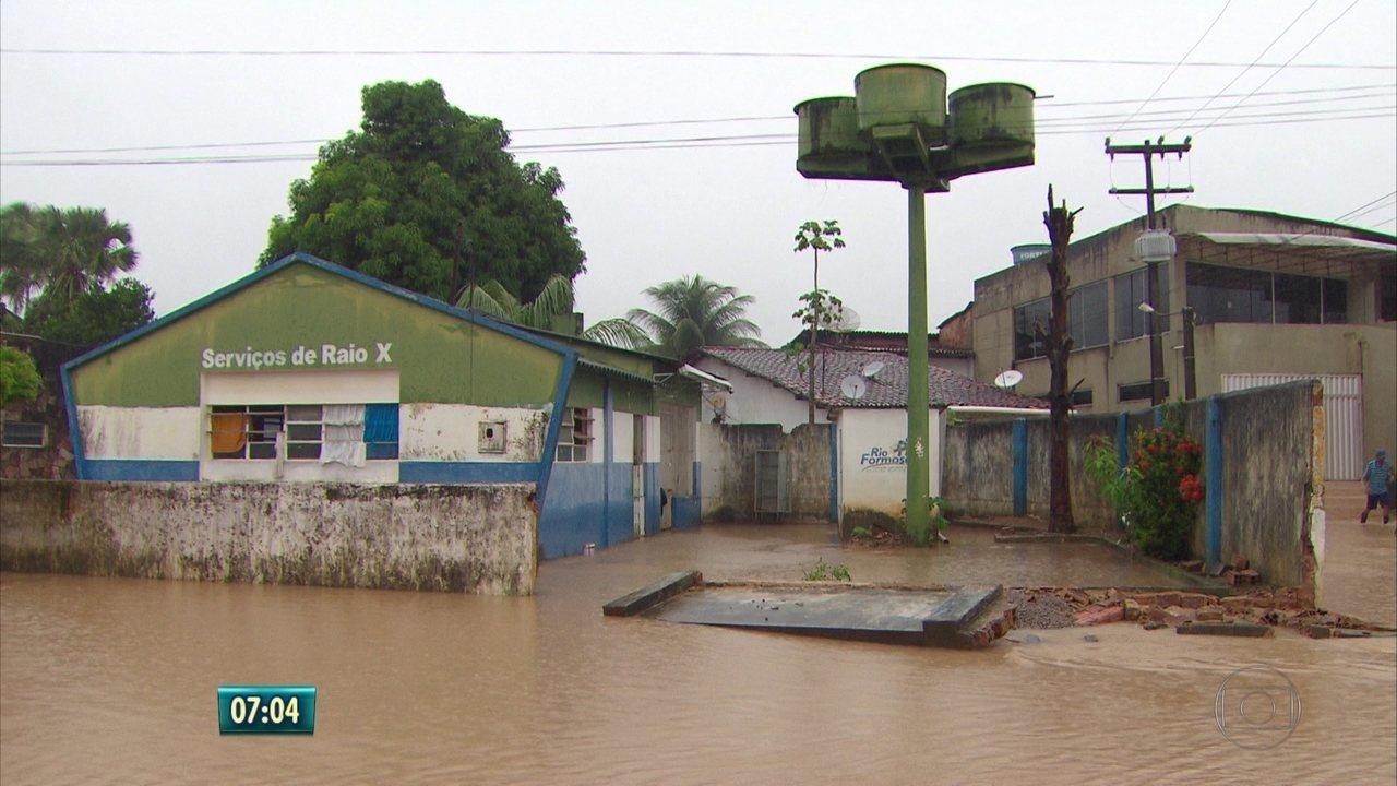 Rio Formoso, na Mata Sul de Pernambuco, tem hospital inundado após fortes chuvas