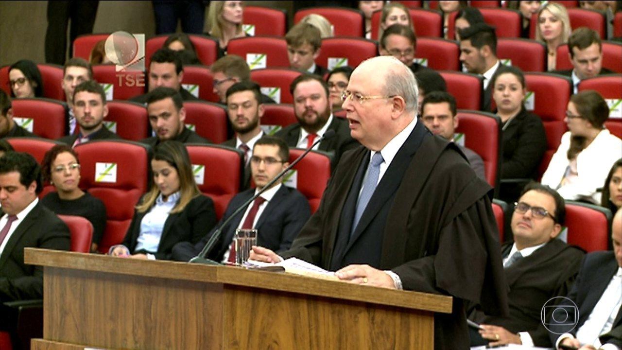 Primeiro dia do julgamento dura cerca de três horas