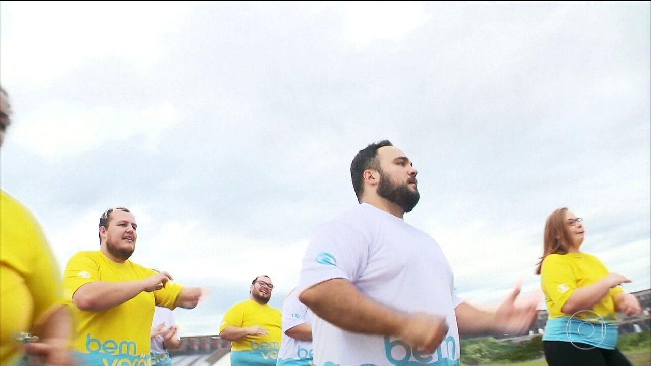 Dançar é uma atividade física e traz os mesmos benefícios físicos que as outras