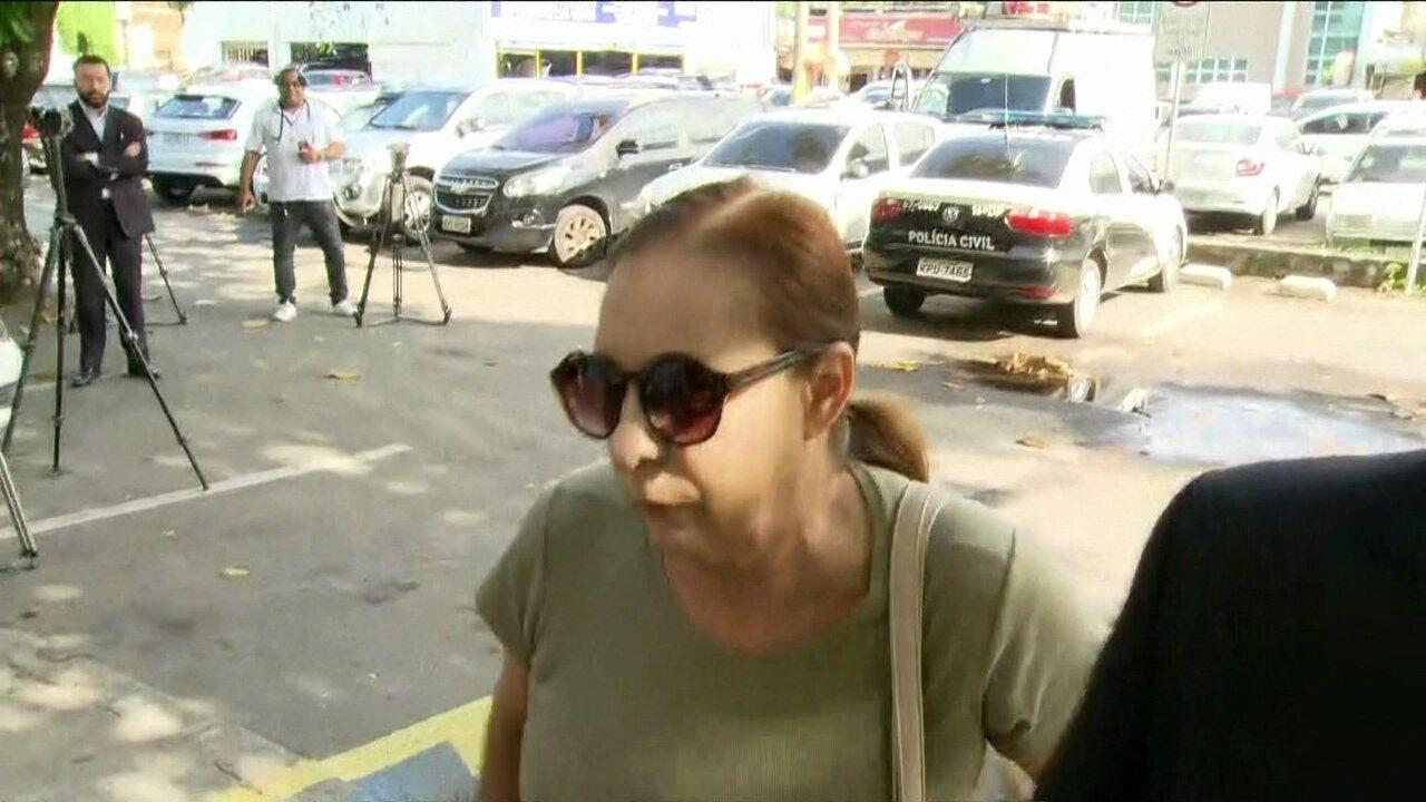 Médica que negou atendimento a bebê chega para depor na Delegacia de Homicídios