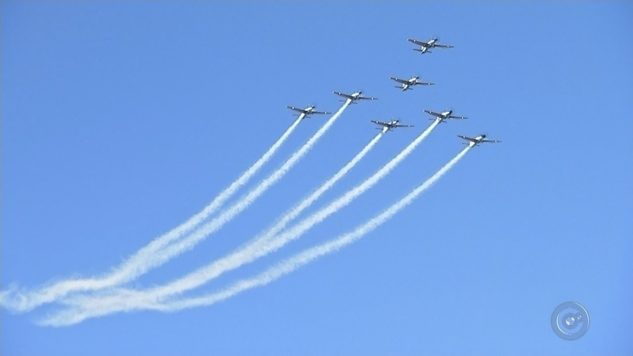 Arraiá Aéreo encanta o público e atrai milhares de visitantes ao aeroclube de Bauru