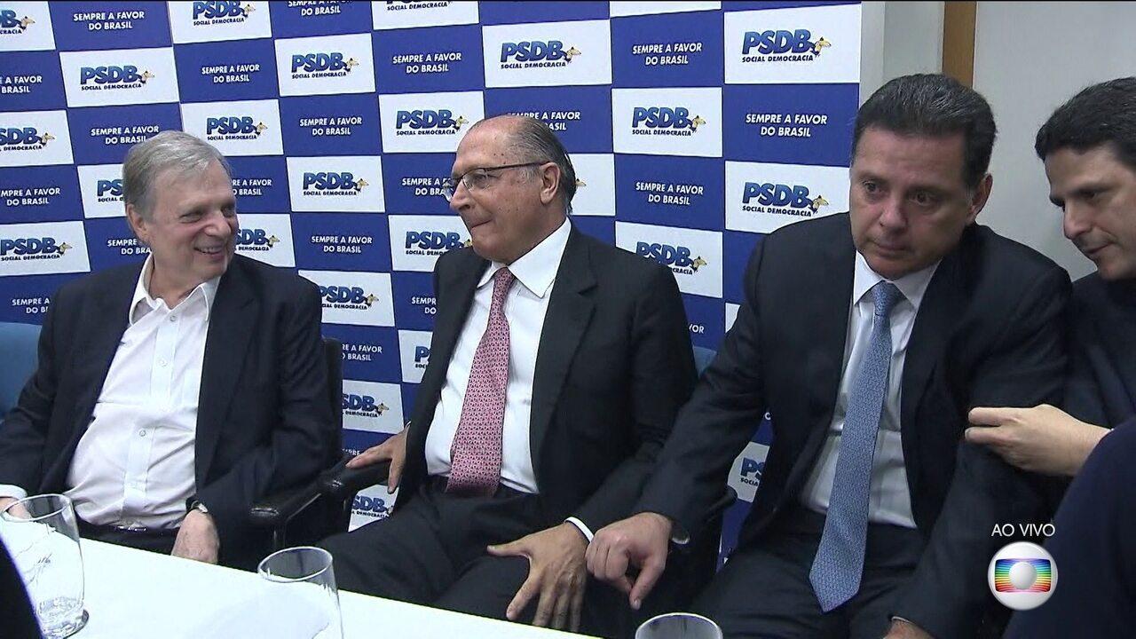 PSDB se reúne para decidir se permanece em apoio ao governo