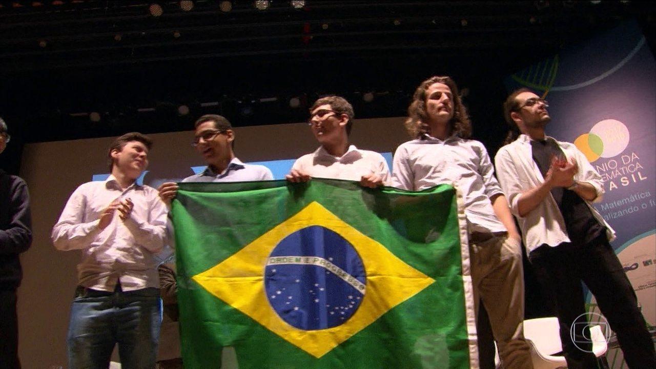 Seis alunos de escolas públicas brasileiras na Olimpíada Internacional de Matemática