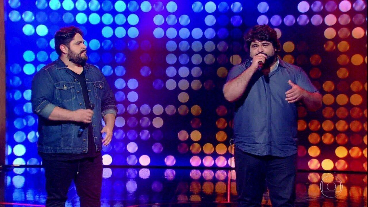 César Menotti e Fabiano se apresentam no palco do 'Tamanho Família'