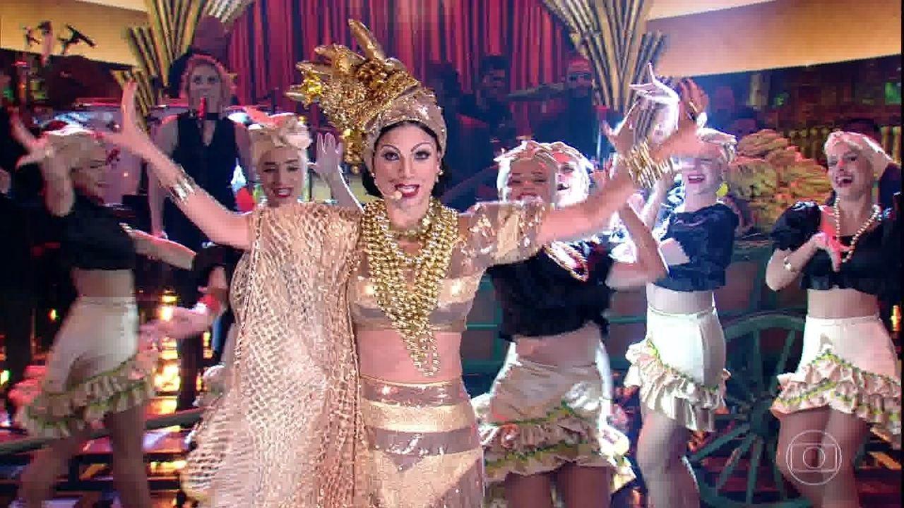 Emanuelle Araújo homenageia Carmen Miranda com: 'O que é que a baiana tem?'