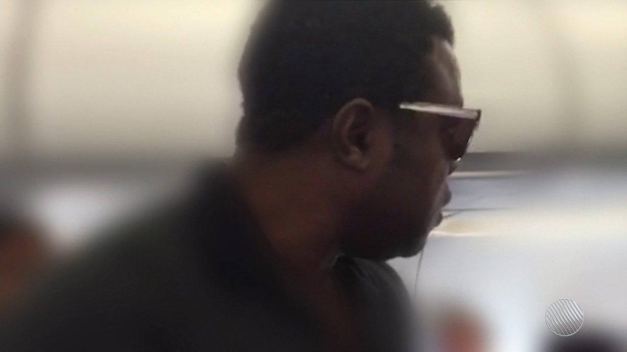 Racismo e danos morais: ator Érico Brás e esposa ganham ação movida contra empresa aérea