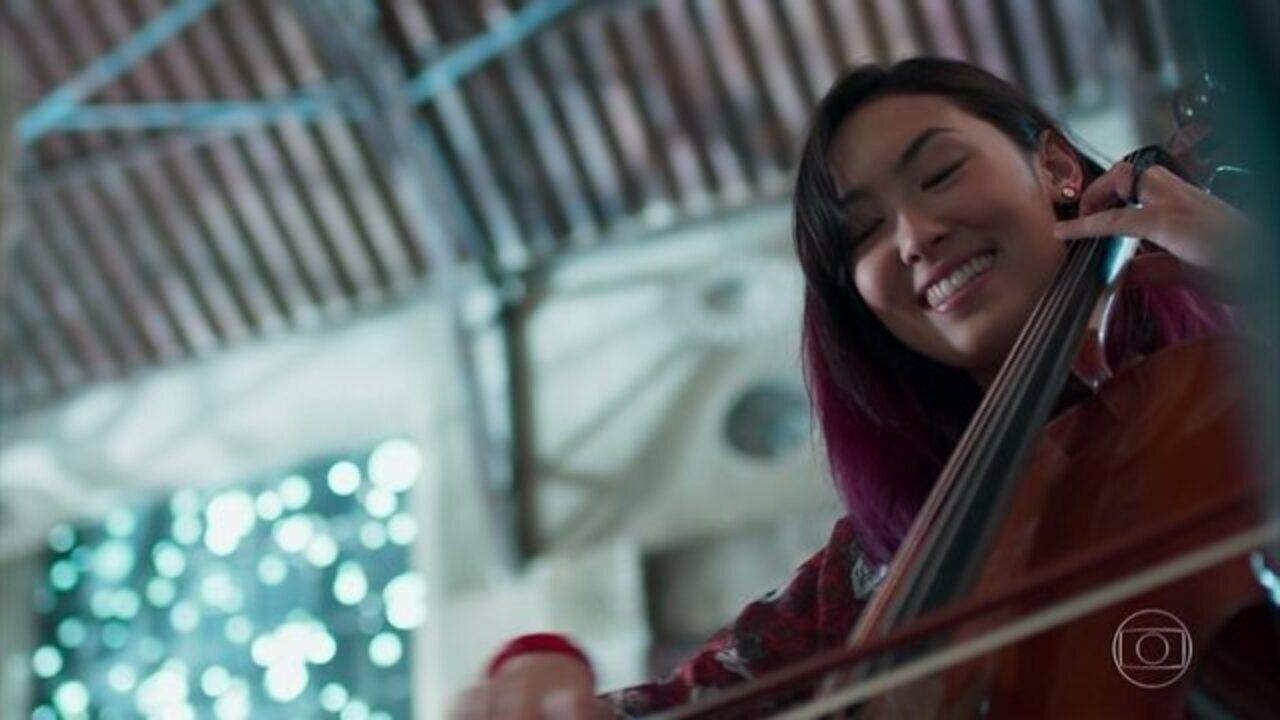 Malhação - Viva a Diferença - Capítulo de sexta-feira, 30/06/2017, na íntegra - Keyla se preocupa com a ausência de Tato. Tina e Anderson gravam a música da menina. Tato vai ao encontro de seu pai.
