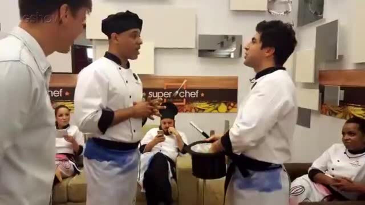 Mais voc mc koringa e gabriel louchard batem papo sobre - Super chef 2000 ...