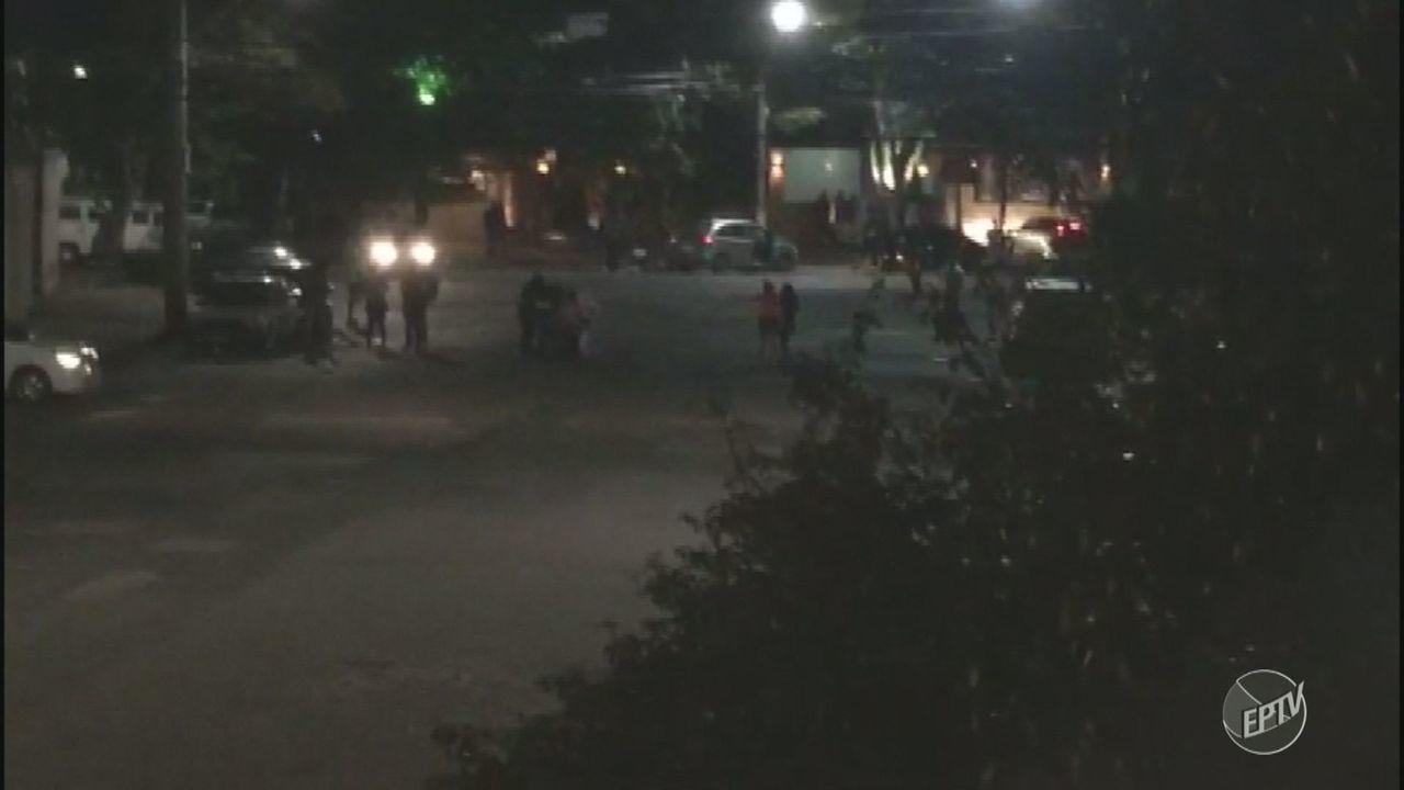 Briga de bar termina com uma pessoa atropelada no Jardim Londres, em Campinas