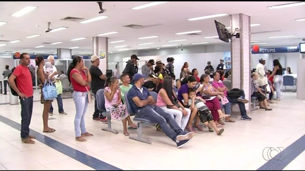 Caixa Econômica realiza atendimento especial para saque das contas inativas do FGTS