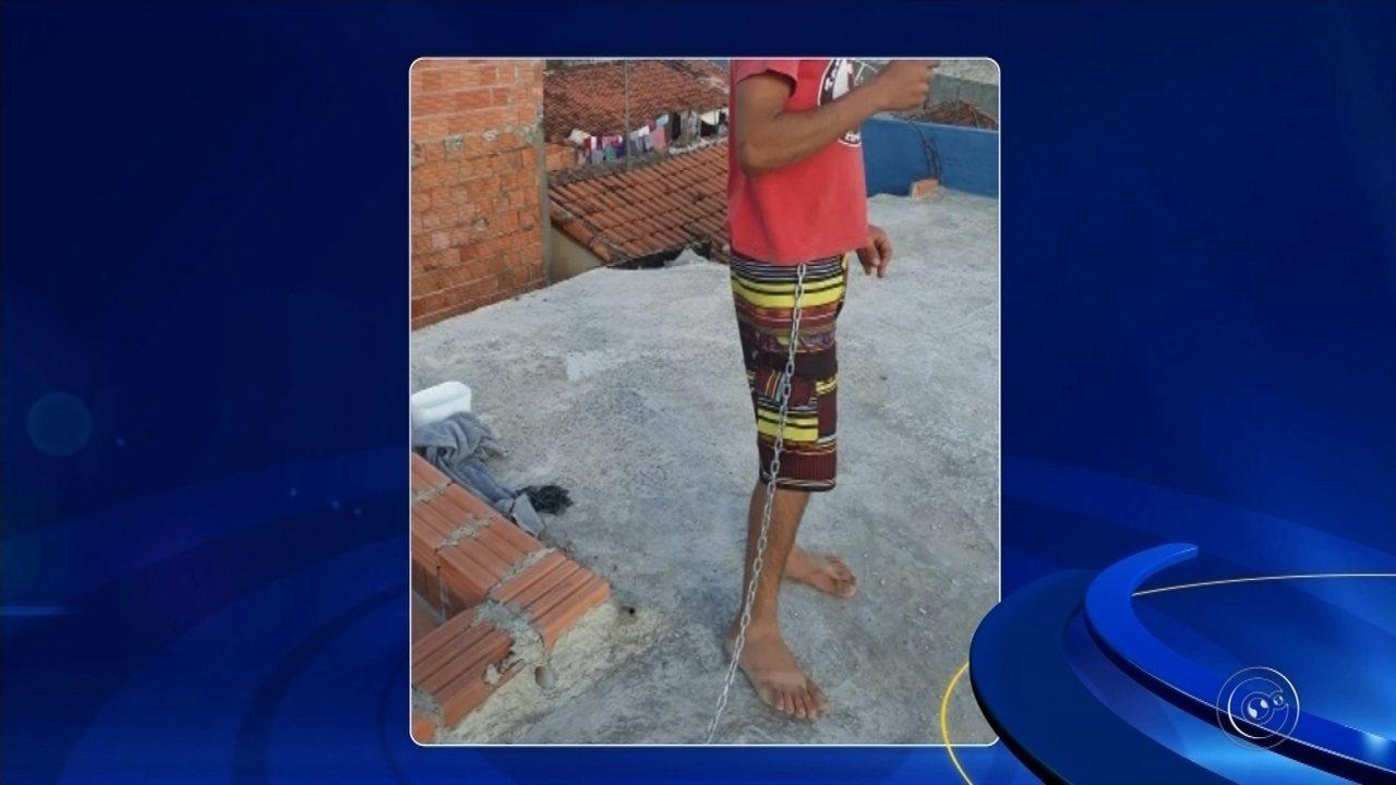 Mãe acorrenta filho viciado em crack em Itapetininga até conseguir tratamento