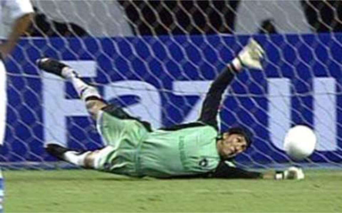Lembra dele? Castillo e seu Top 10 de defesas pelo Botafogo