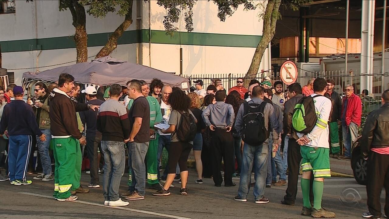 Trabalhadores da Comcap entram em greve