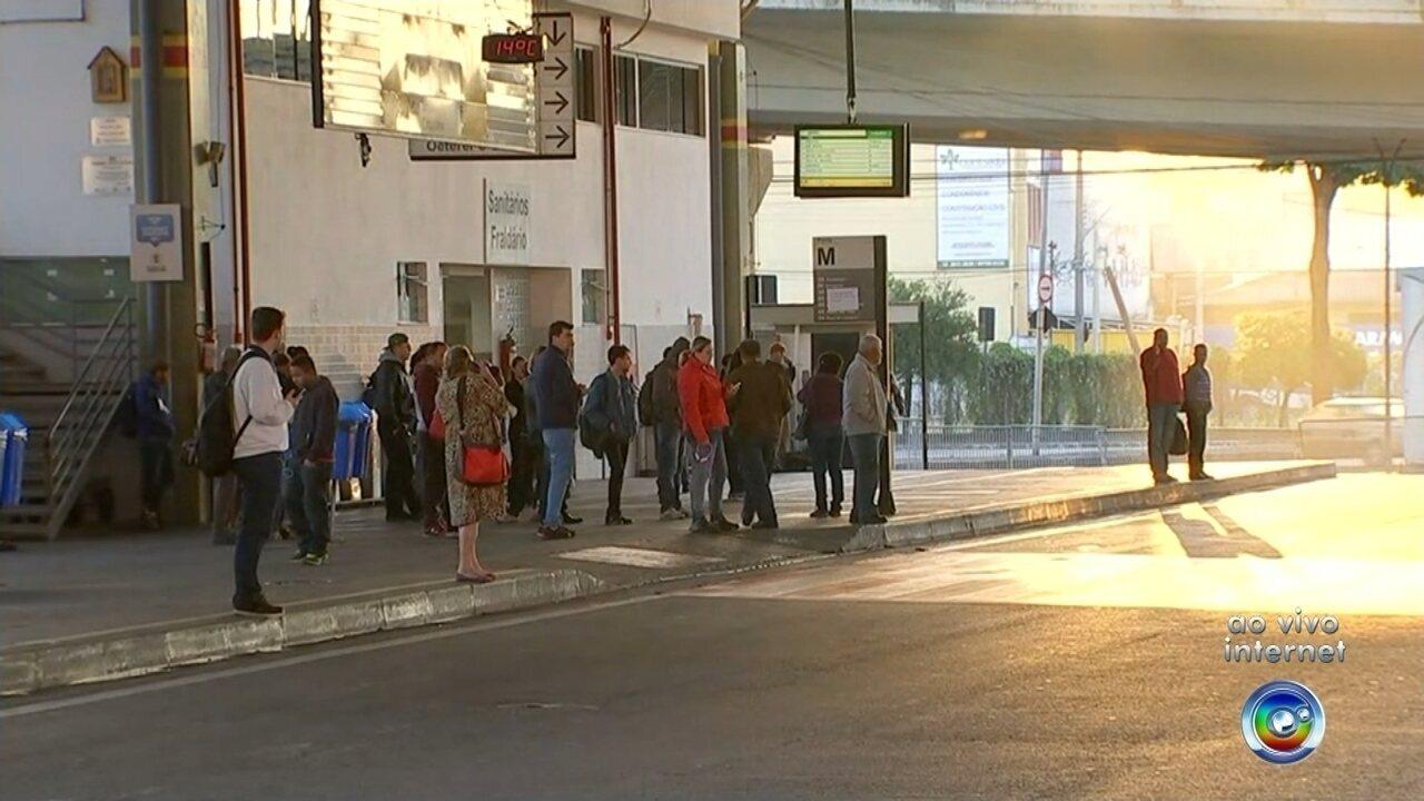 Greve dos motoristas do transporte urbano chega ao 13º dia em Sorocaba
