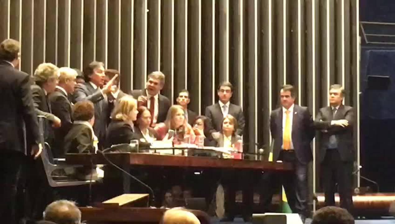 Pronunciamento do presidente do Senado, Eunício Oliveira (PMDB-CE), em plenário