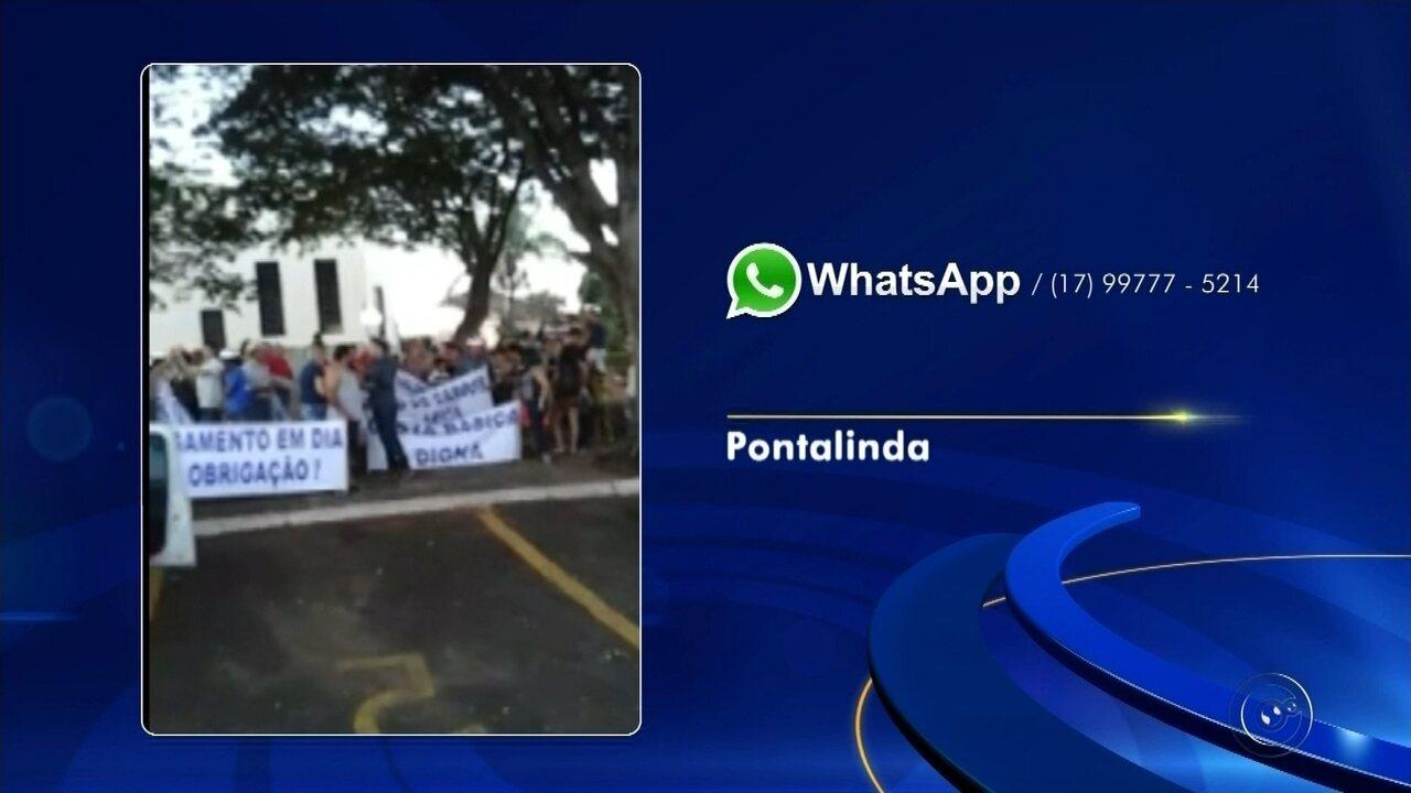 Servidores fazem manifestação em frente à prefeitura de Pontalinda