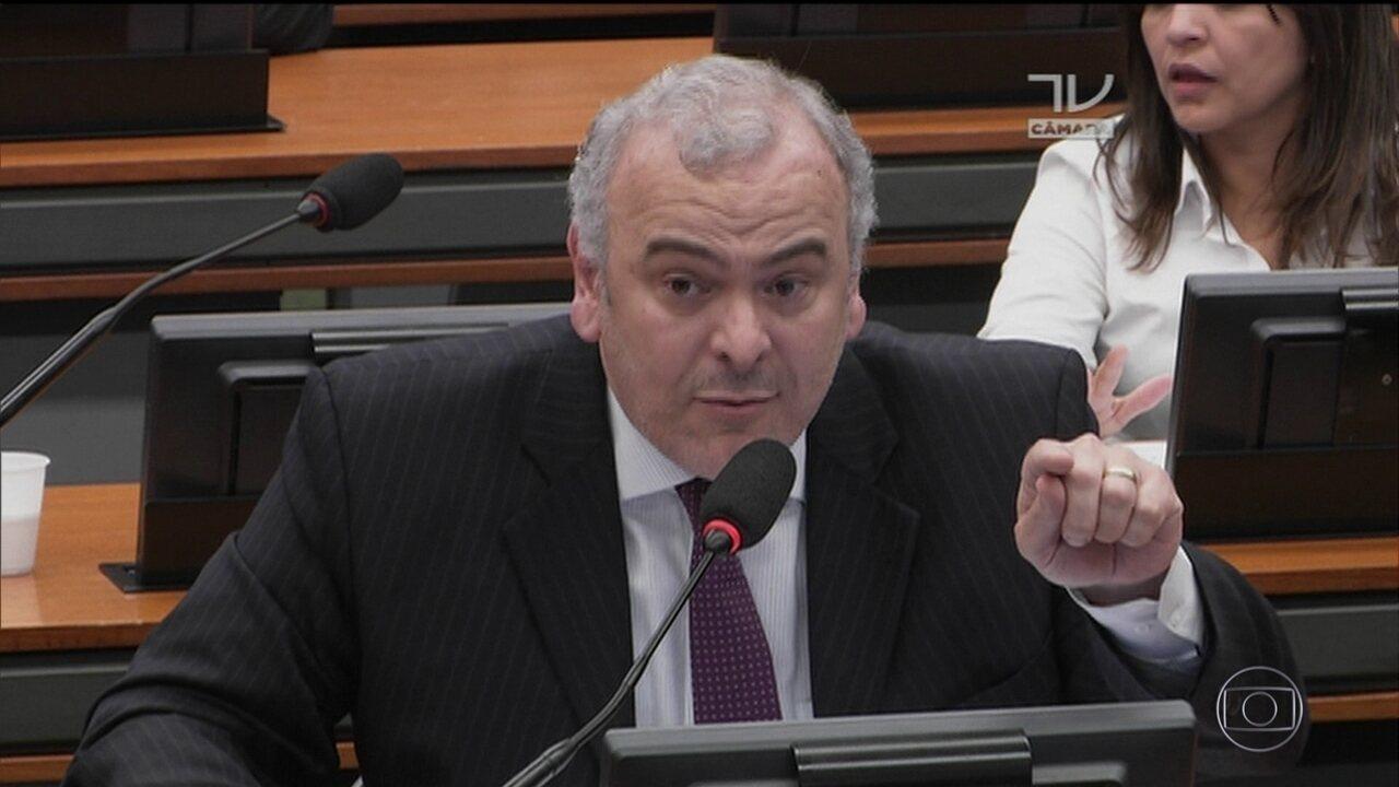 CCJ rejeita continuidade da denúncia contra Temer