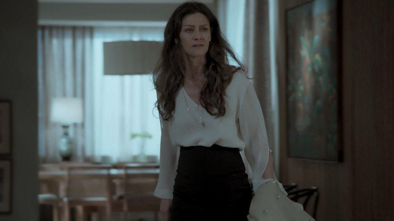 Joyce se enfurece ao ver Eugênio e o expulsa de sua casa