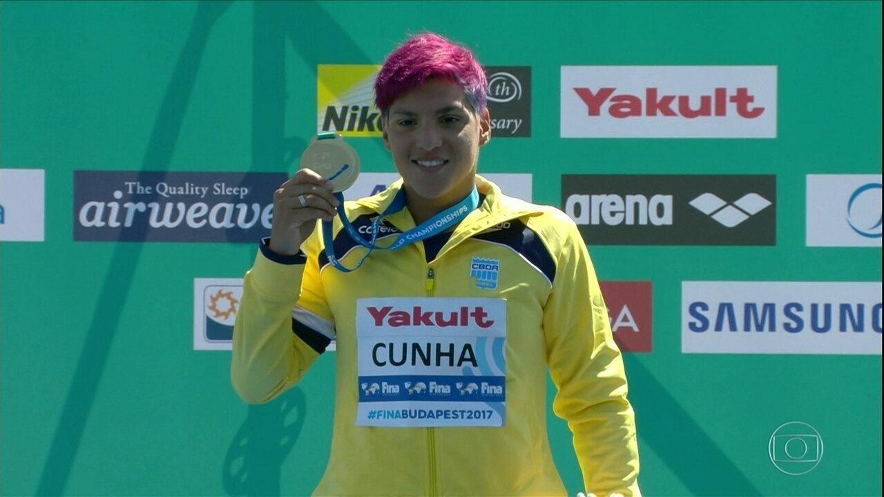 Ana Marcela Cunha é tricampeã mundial de Maratona Aquática 25 km