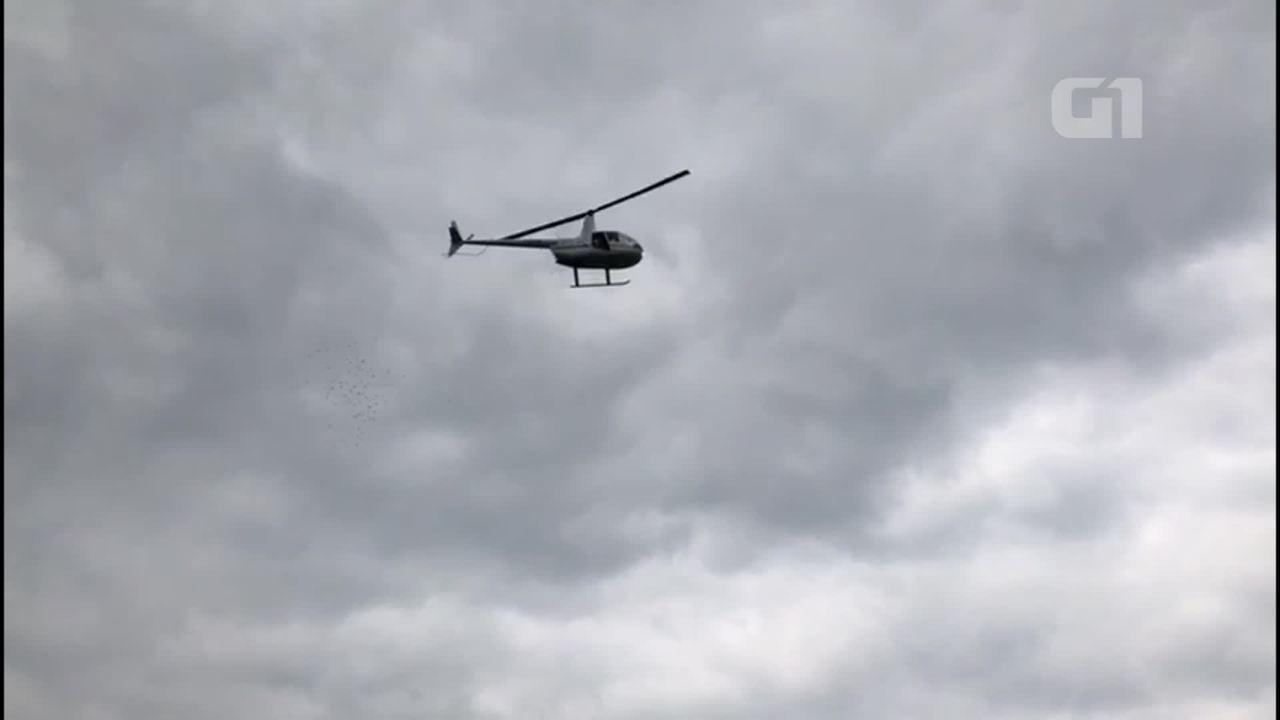 Helicóptero joga flores em homenagem a soldado da PM morto em Nova Iguaçu