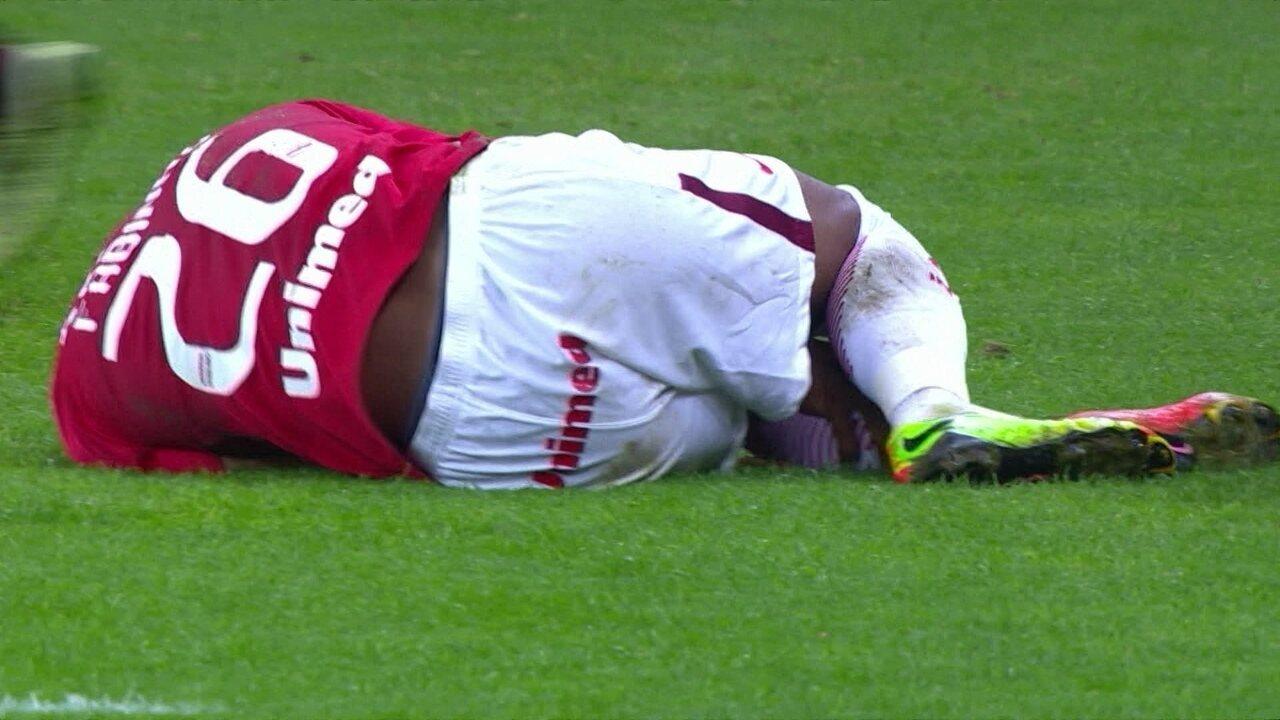 5dca9a81af Fabinho fratura o tornozelo esquerdo e desfalca Inter por até quatro ...