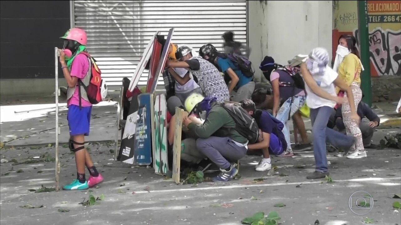 Greve de 48 horas na Venezuela já tem duas mortes e 50 prisões