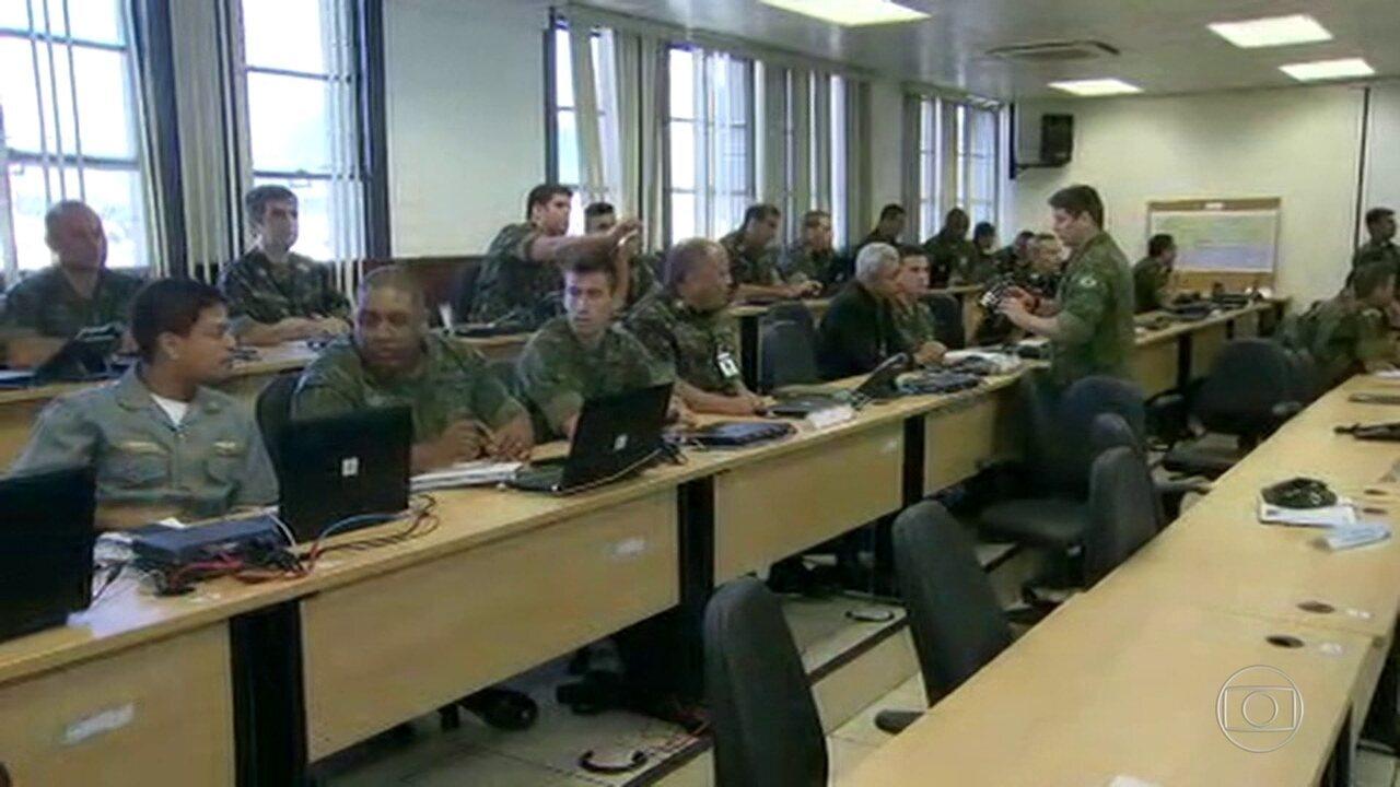 Centro de controle da operação militar de segurança nacional funciona no CML