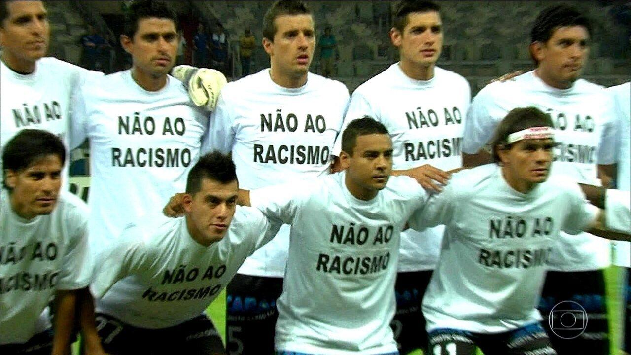 a90d89c304 Reportagem especial mostra que o racismo está longe do fim no futebol  brasileiro