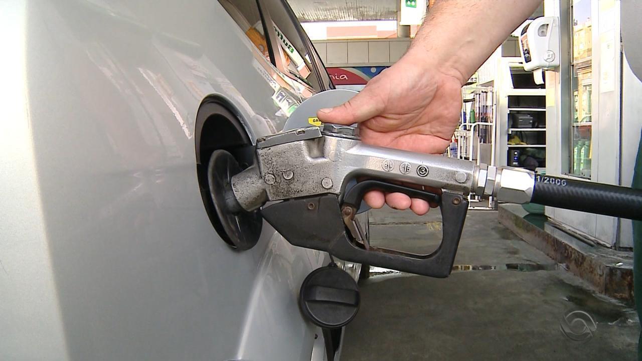 Litro de gasolina pode ser encontrado por R$ 3,45 na Região Metropolitana de Porto Alegre
