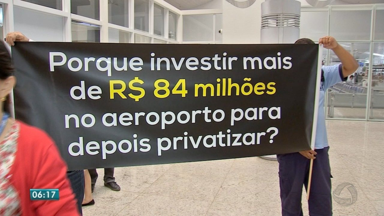 Funcionários da Infraero protestaram contra o projeto de privatização do aeroporto