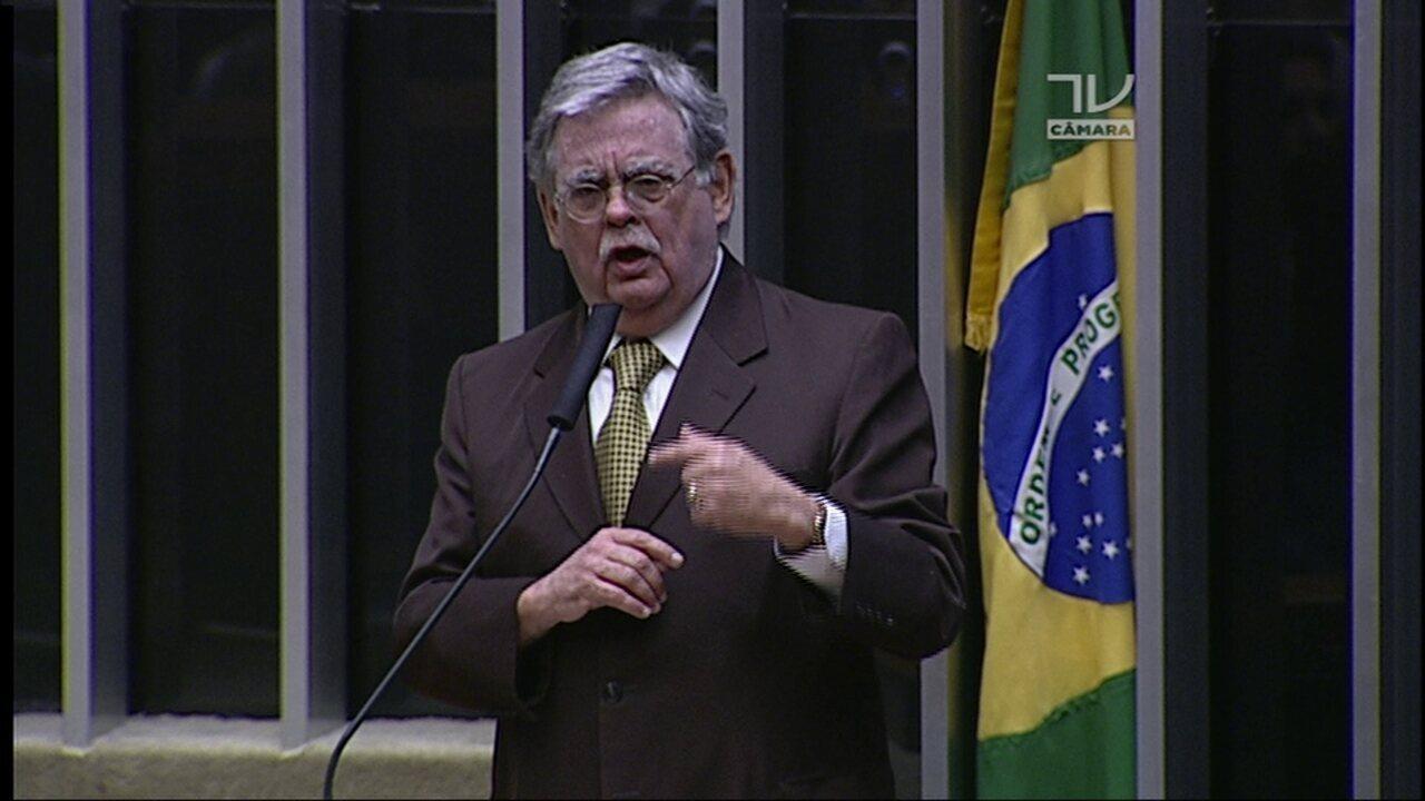 Mariz de Oliveira afirma que Temer 'jamais cogitou' de receber mala de dinheiro de Loures