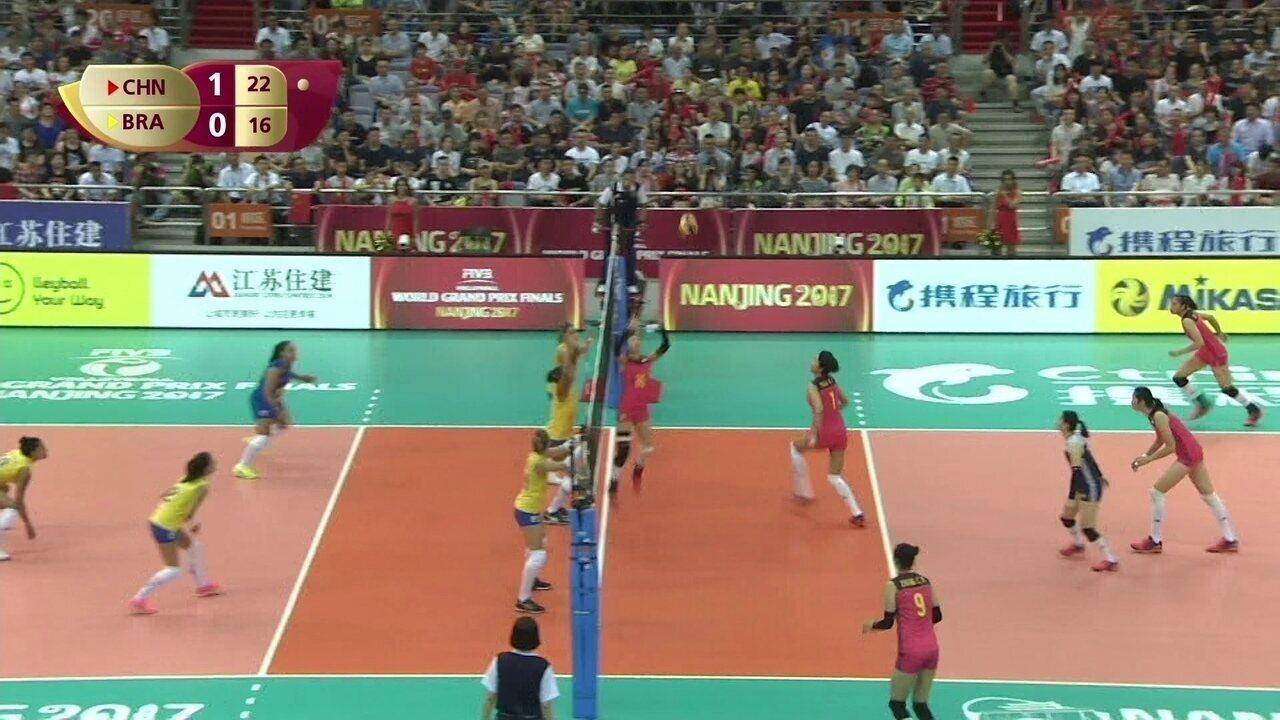 Melhores momentos de China 3 x 0 Brasil pelo Grand Prix de Vôlei Feminino