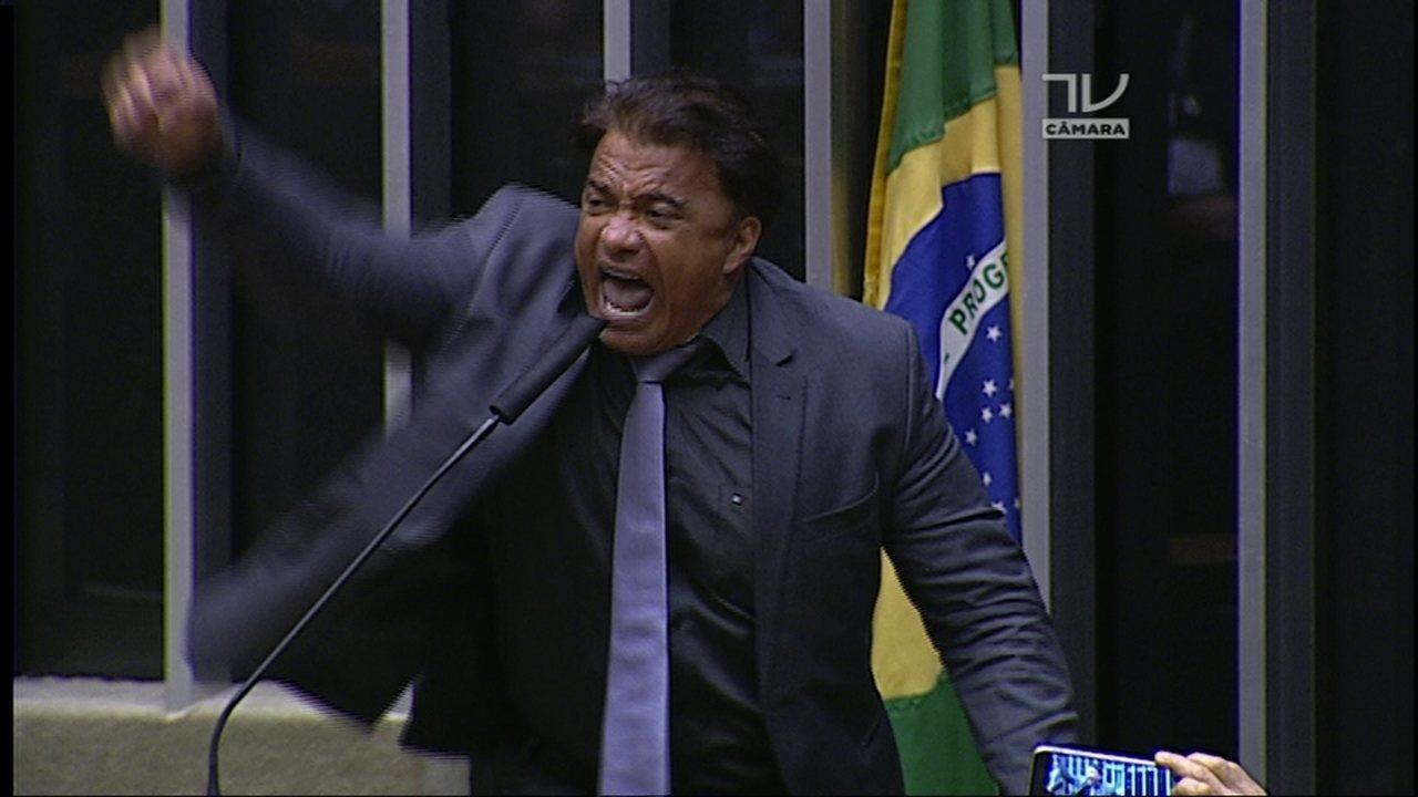 Deputado Vladimir Costa defende Temer e diz que presidente