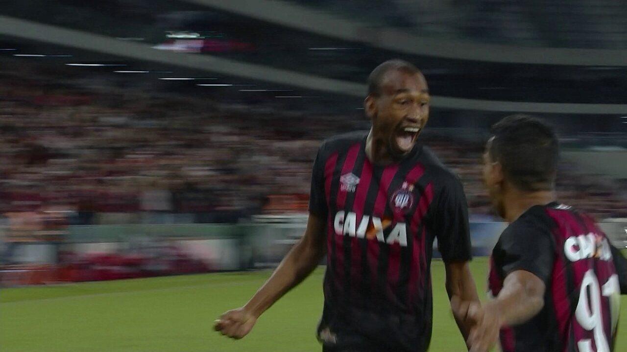 Os gols de Atlético-PR 5 x 0 Avaí pela 18ª rodada do Brasileirão