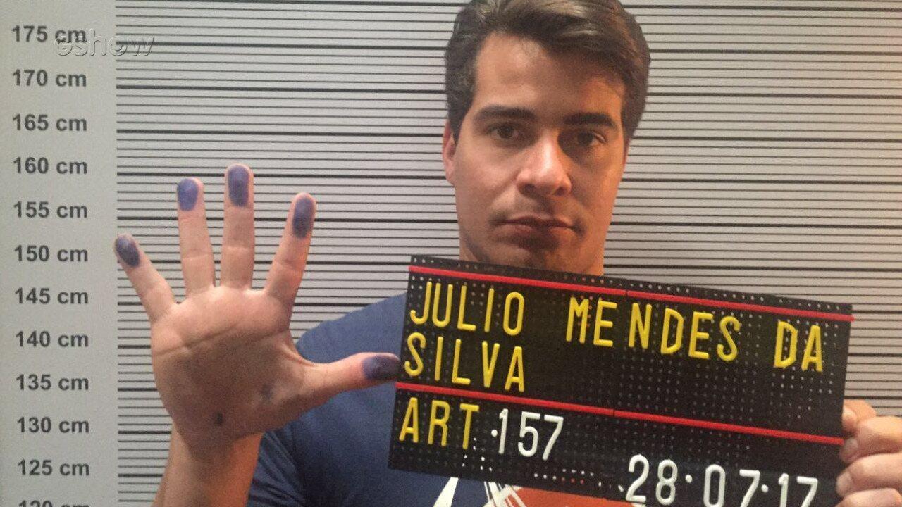 Thiago Martins comenta cena em que Júlio é preso!