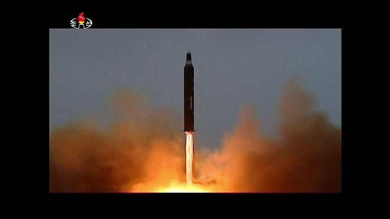 Trump diz que Estados Unidos têm arsenal nuclear mais poderoso do mundo