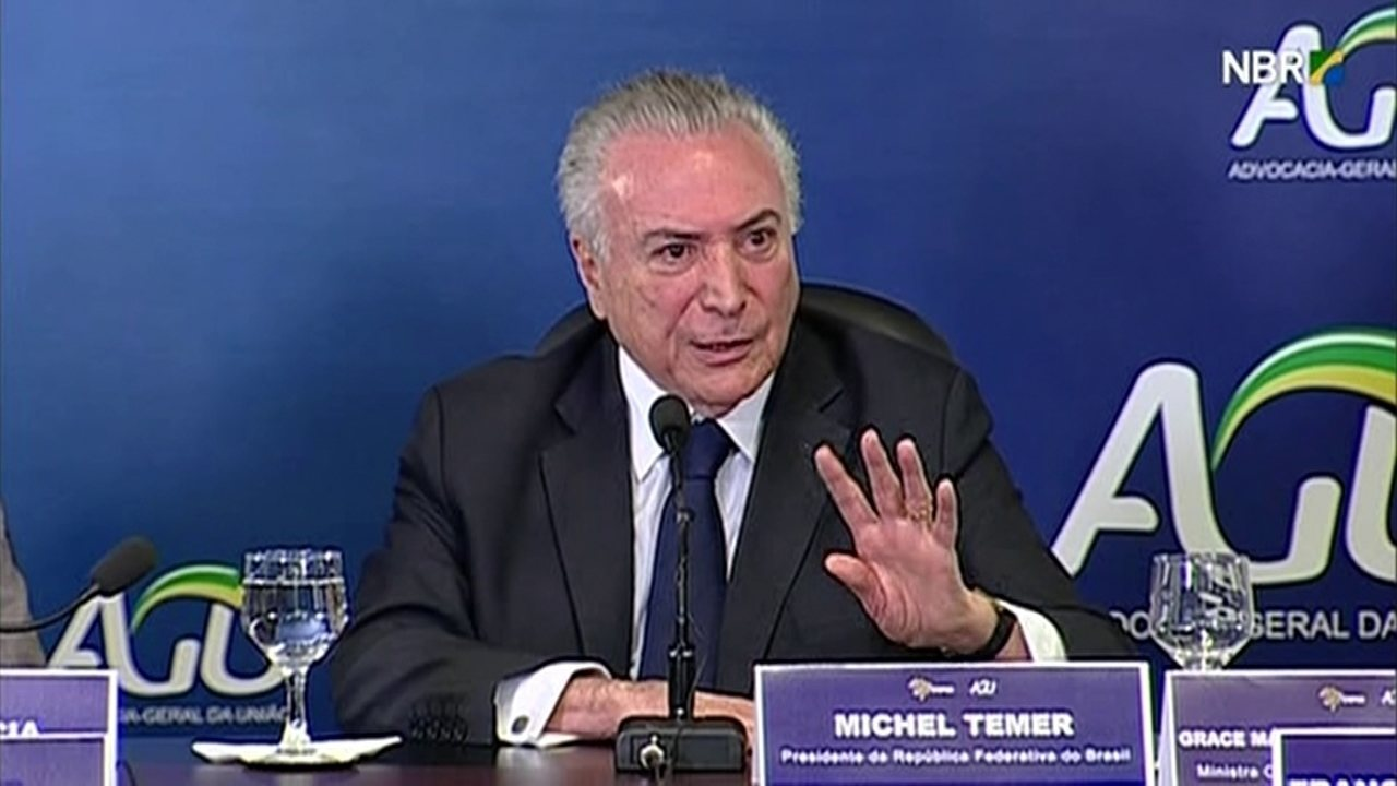 Temer diz que federação brasileira é 'capenga' e há 'abuso de autoridade'