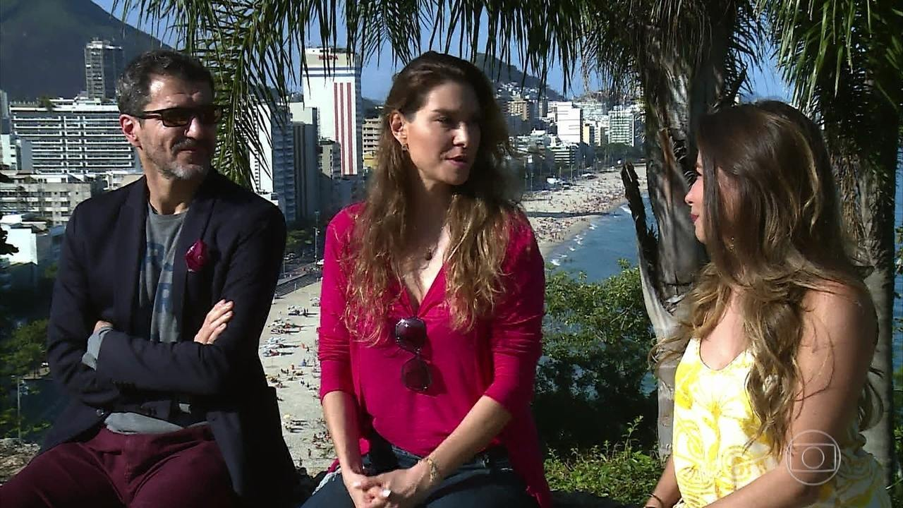 Nicola Siri e Lavínia Vlasak relembram o romance do padre Pedro e Estela