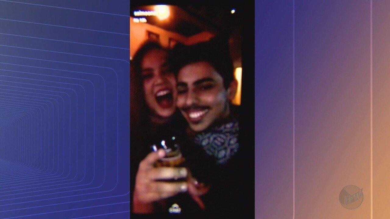 Jovem morre em acidente ao fazer selfie com corpo fora do carro em Jaboticabal, SP
