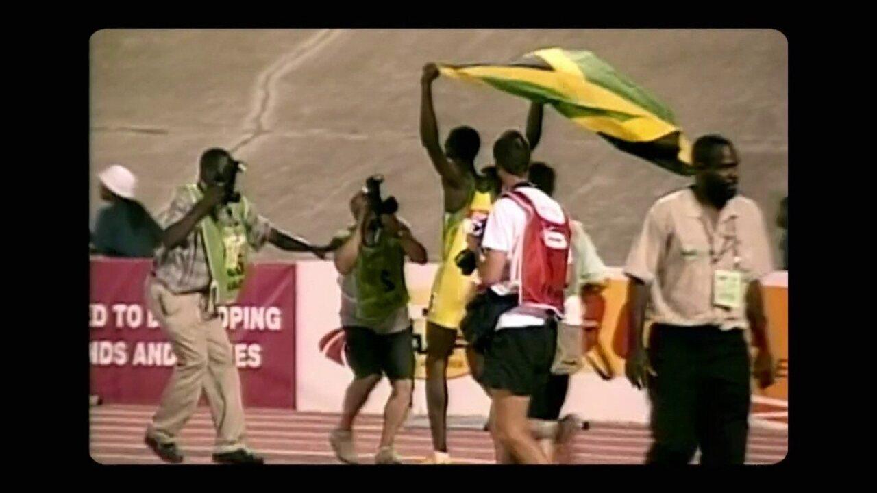 Em 2002, Usain Bolt vence os 200m masculino no Mundial Juvenil de Atletismo