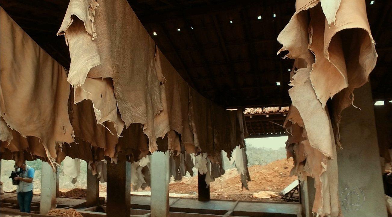 Série sobre produção de calçados mostra a produção artesanal em Cabaceiras