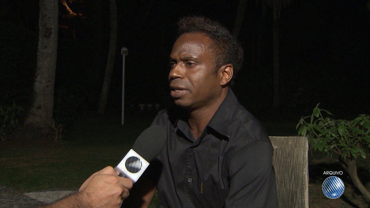 Ex-jogador da Seleção Brasileira, 'Edilson Capetinha' é preso em Salvador