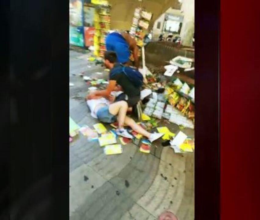 Vídeo mostra feridos logo após atentado em Barcelona