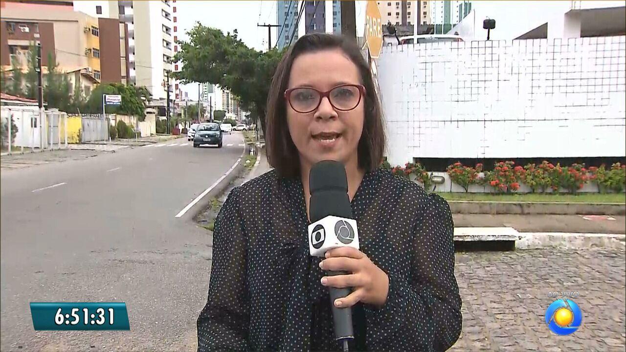 Mulher é baleada de raspão quando chegava de carro em casa no bairro de Manaíra