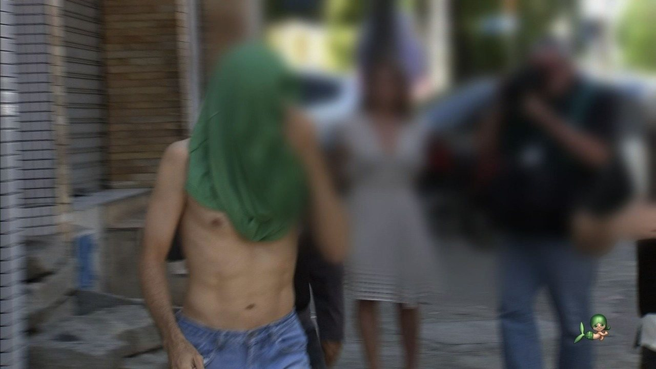 Polícia leva a delegacia empresário de manter filhos em cárcere privado
