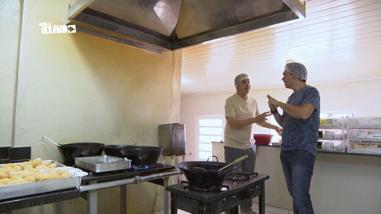 Mário conhece famosa coxinha de Araguari