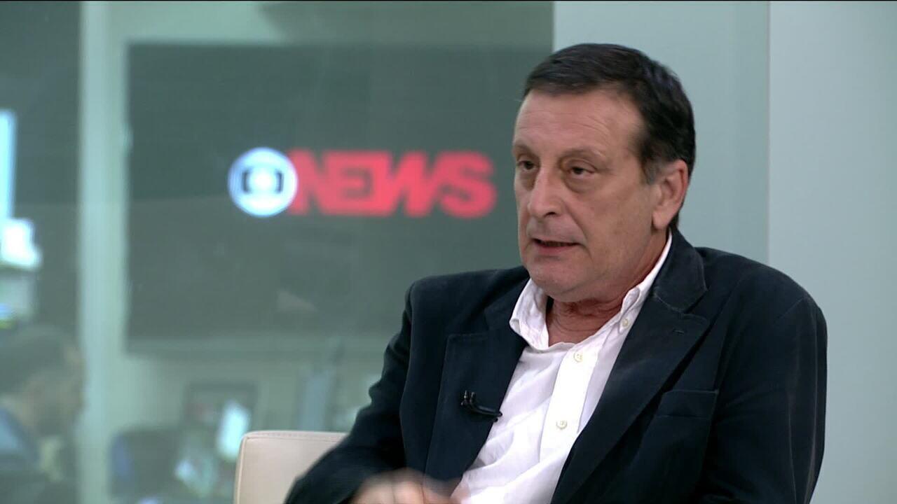 Professor de Economia e Finanças comenta a privatizações e criação de nova taxa do BNDES