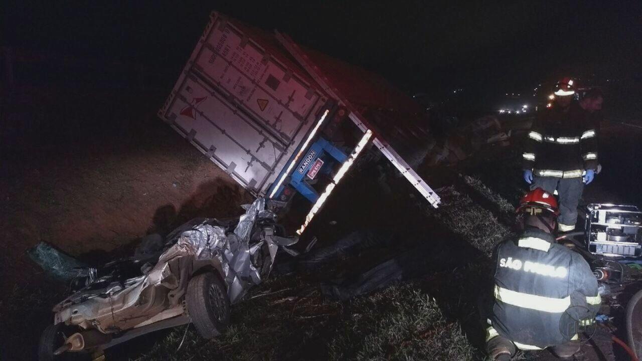 Acidente na Rodovia Anhanguera deixa três mortos e um ferido
